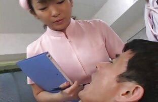 ممرضة وطبيبة أسنان يابانية تبصق على المريض