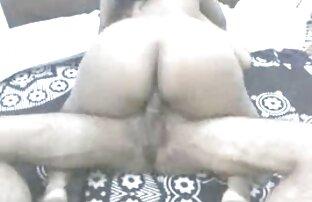 زوجة هندية أمام هواية