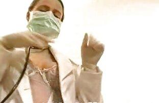 1 سيدة ساخنة للغاية ومثيرة تعطي الطبيب ضربة 2