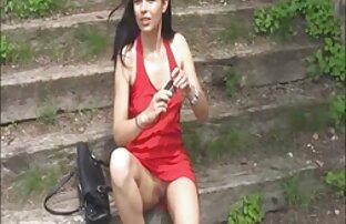 فستان أحمر مبهرج أسطوري طبيعي