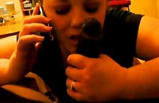 زوجة الغش على الهاتف مع الزوج أثناء مص ديك أسود كبير