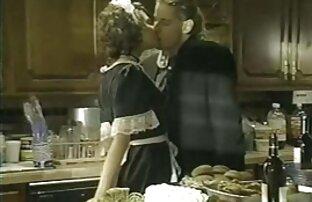 خادمة فرنسية مارس الجنس في المطبخ