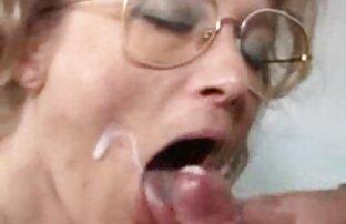 قبضة الجدة الألمانية مارس الجنس ويحصل على الوجه