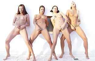 أربعة جميلة مثليات لعق بعضها البعض