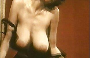 السيدة روبنسون جوارب النايلون خمر التعري كبير الثدي