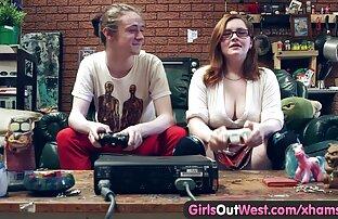 تلحس الفتيات كس الهواة شعر من الغرب ومارس الجنس.