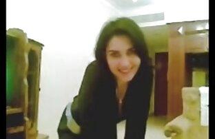 فتاة عربية جميلة