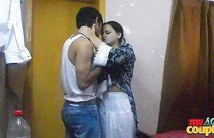 الهندي الساخنة والحارة سونيا bhabhi تمتص لها رجل الديك
