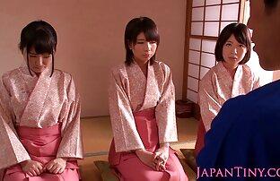 جميلة فاتنة الكيمونو اليابانية المجرية القفز على صديق