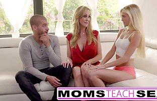 الامهات تعليم الجنس كبير حلمة الثدي الأم ابنة يمسك