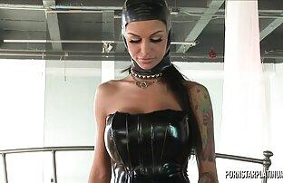 أنجلينا فالنتين في فيرونيكا بالقاعدة