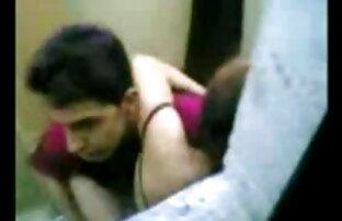 خادمة إندونيسية يمارس الجنس مع رجل باكستاني في مرحاض هونغ كونغ العام