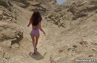 سيدة الساخنة الإسبانية تتعرى على الشاطئ خلف الكواليس