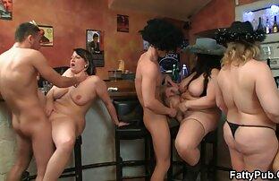 ثلاث فتيات بدينات في تحول جنسي