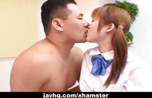 في سن المراهقة اليابانية في زي المدرسة يحصل مارس الجنس