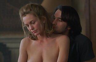 لين عارية ومارس الجنس