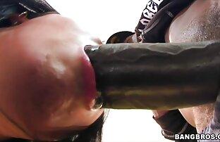 مونيكا يحصل بوسها امتدت من قبل